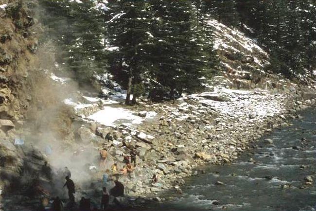 Hot Water Springs, Kasol